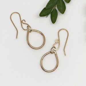 gold dewdrop earrings