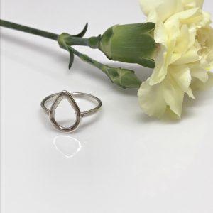 dainty silver dewdrop ring