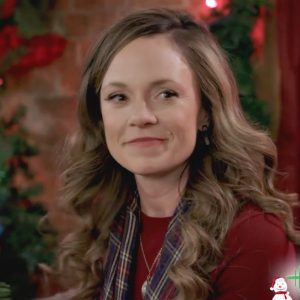 Check Inn to Christmas - Rachel Boston as Lindsey 800 px-3
