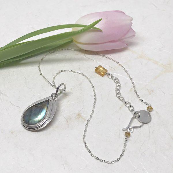 ocean blue labradorite pendant necklace