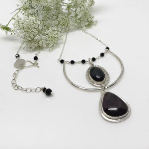 agate and onyx pendant necklace