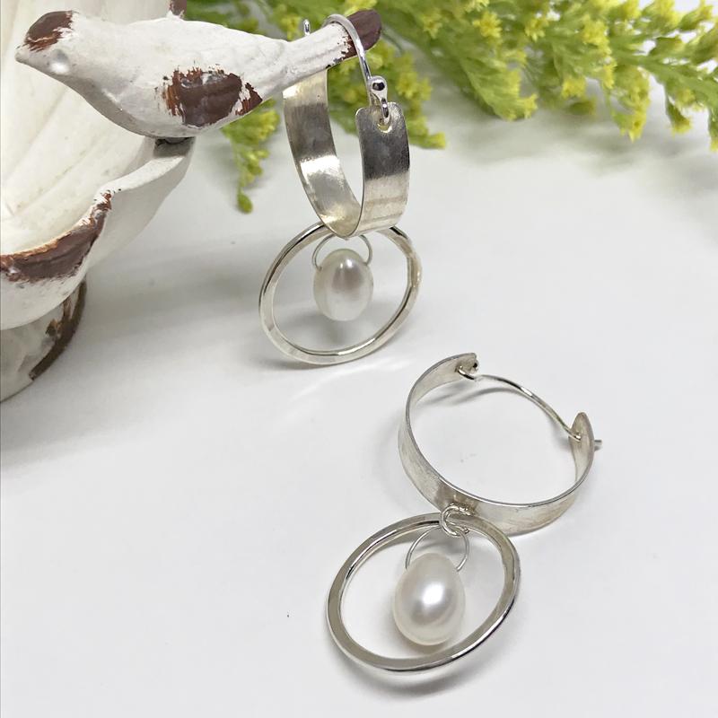 Pearl-Hoop-Earrings-824-3