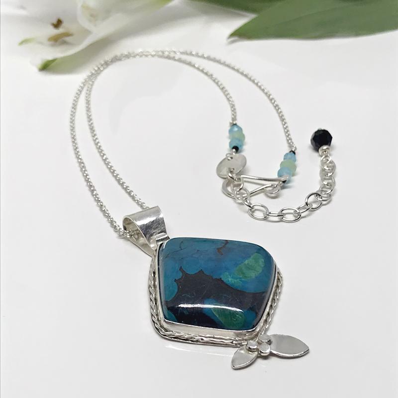 Gemstone-Pendant-Necklace-857-9