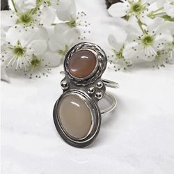 Double-Moonstone-Ring 771 250 px