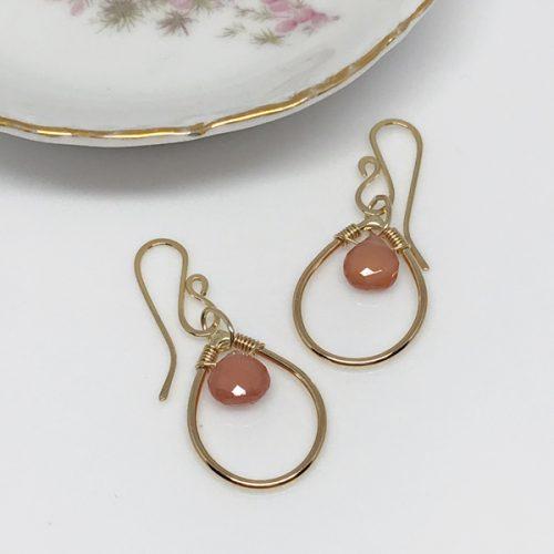 pinkgemstoneteardrops-577-600 px