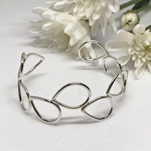 silvercuffbracelet-590-600 px